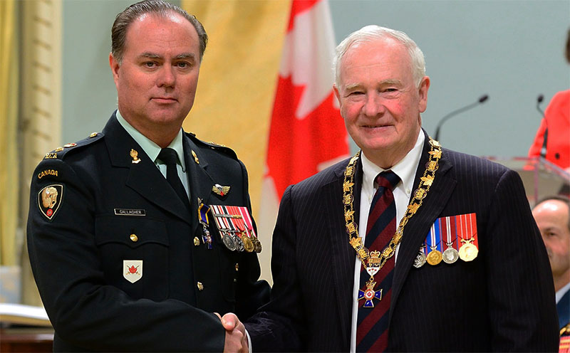 Lieut.-Col. Stephen Gallagher with  His Excellency the Right Honourable David Johnston