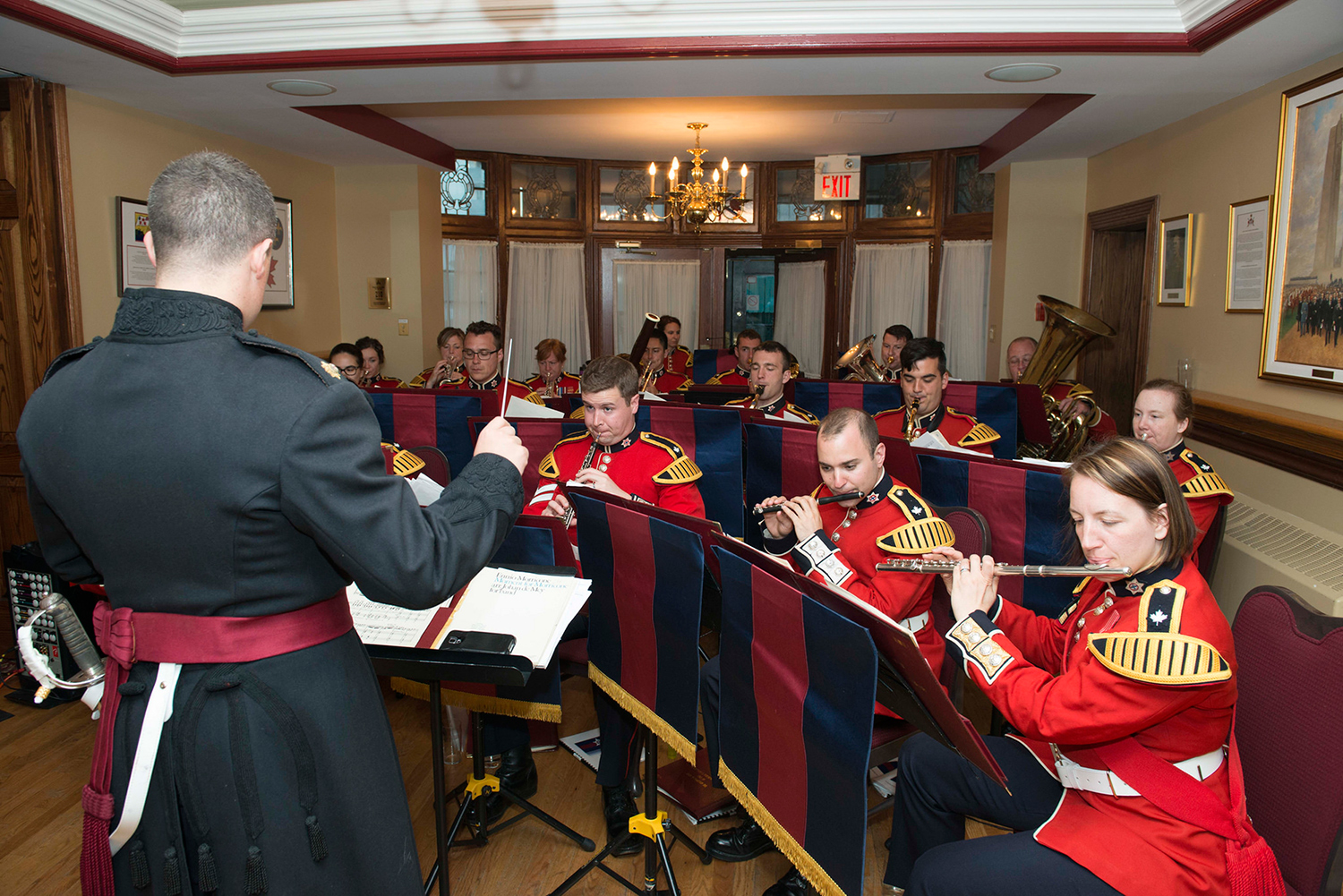 The Regimental Band of the Governor General's Foot Guards performs during Lieutenant-General Marquis Hainse's Commander Canadian Army Farewell Mess Dinner at the Army Officers' Mess, in Ottawa, Ontario on June 10, 2016. Photo by: MCpl Kurt Visser, Directorate of Army Public Affairs. ©2016 DND/MDN Canada.