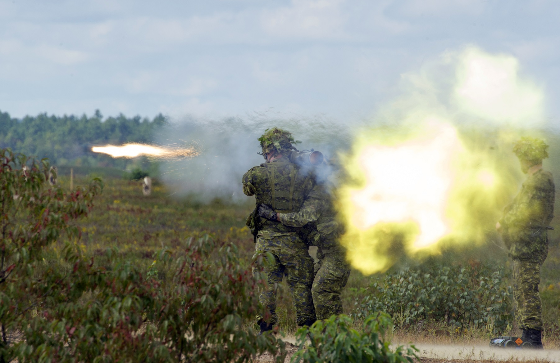 Members of 2 Canadian Mechanized Brigade Group fire the 84mm Carl Gustav during exercise COLLABORATIVE SPIRIT at 4th Canadian Division Support Base Petawawa in Ontario on September 21, 2016.